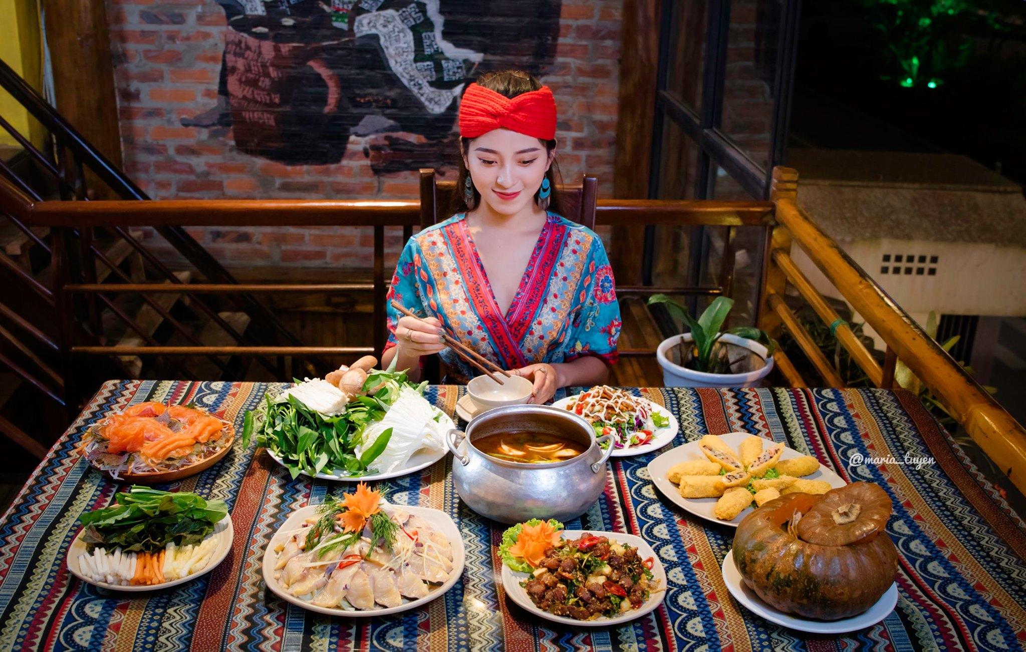 """🍲[Ăn gì?] Lần đầu ăn """"BÍ TA – GÀ BẢN"""" ở Sapa.🍲"""