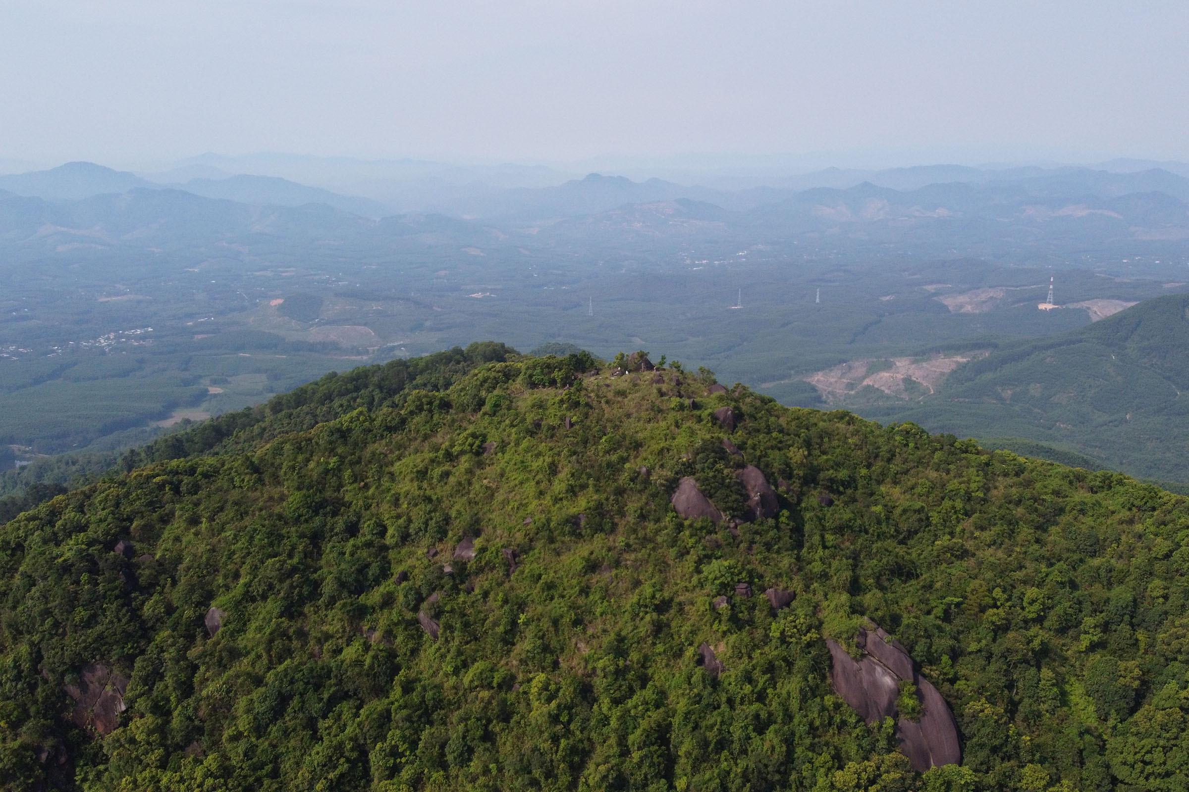 7 tuổi chinh phục núi cao nhất Huế
