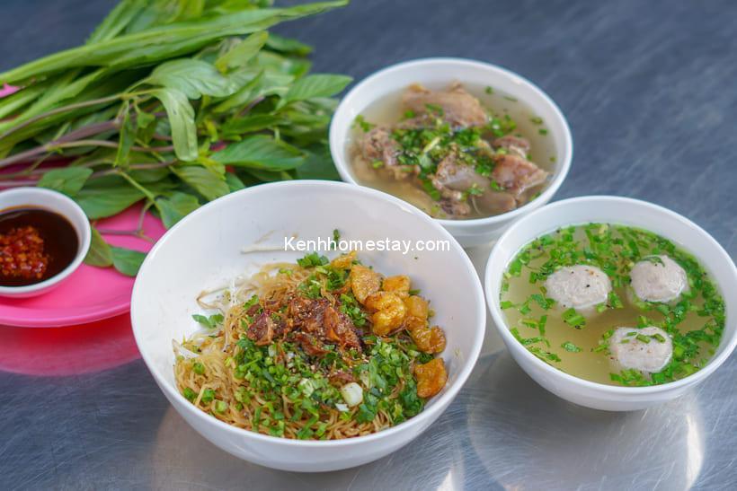 """Top 21 quán hủ tiếu Sài Gòn ngon khó cưỡng """"ăn 1 tô gọi thêm tô nữa"""""""