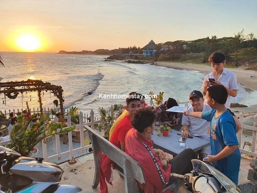 Coffee Bãi Xanh: View ngắm hoàng hôn cực đẹp ở bãi biển Long Hải