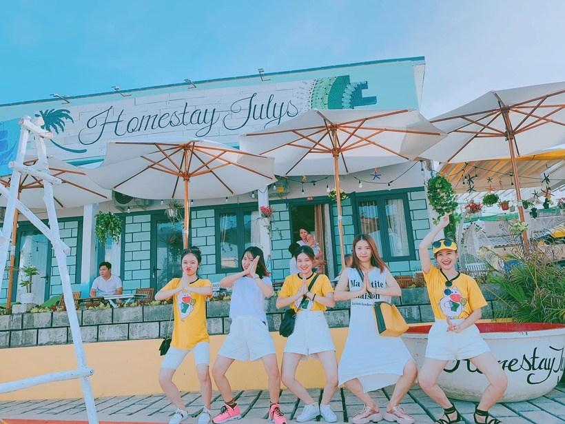 25 Homestay Phú Yên giá rẻ từ 100k bỏ túi khám phá xứ hoa vàng cỏ xanh