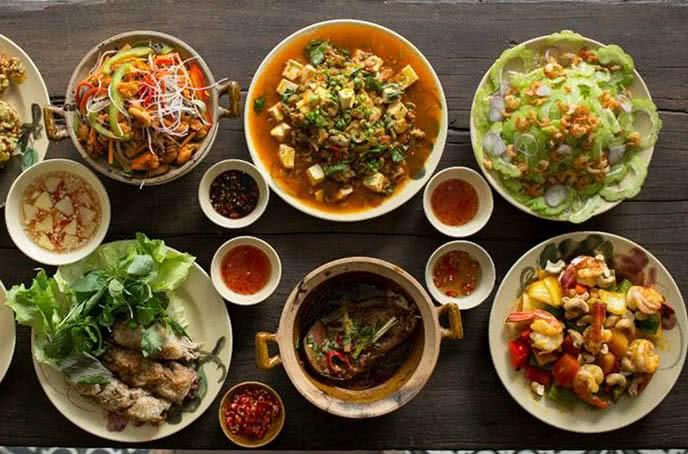 Top 10 quán cơm văn phòng Sài Gòn – TPHCM ngon nức tiếng nên ghé