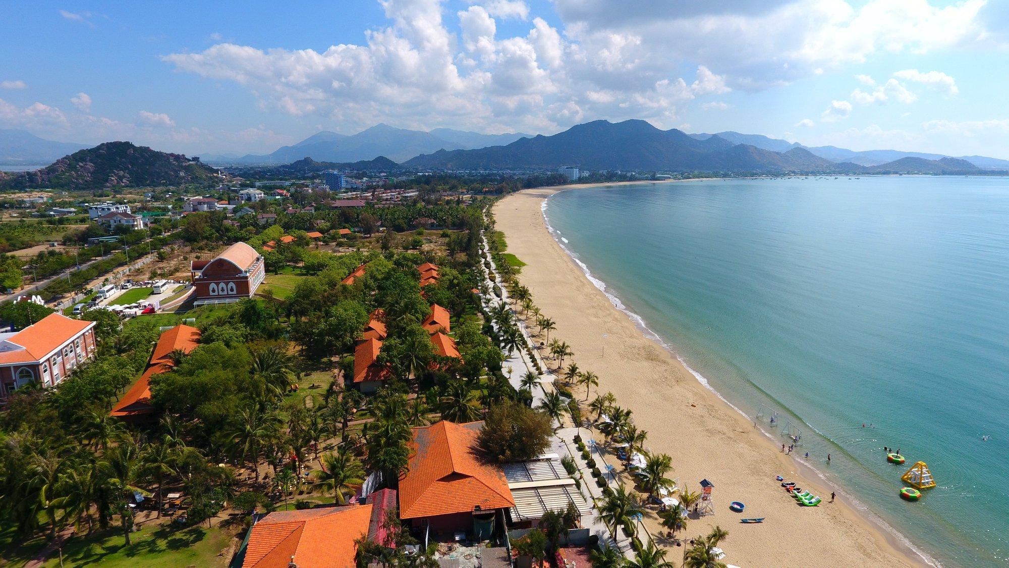 Biển Ninh Chữ Ninh Thuận: Review chi tiết kinh nghiệm ăn chơi