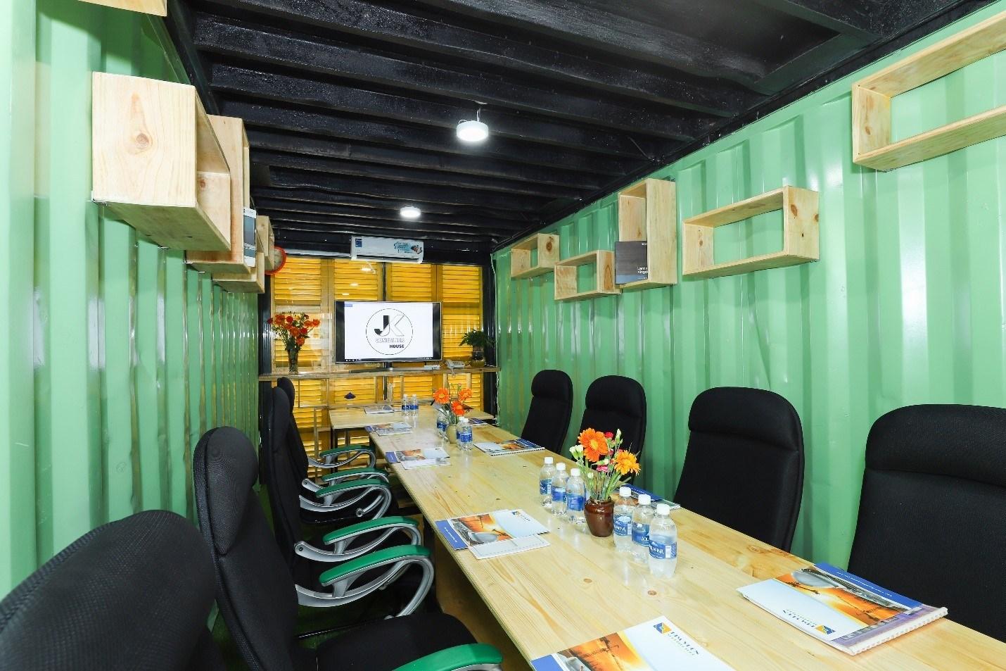 JK Container House: điểm đến siêu mới ngay Phước Kiển, Nhà Bè dành cho những start-up trẻ