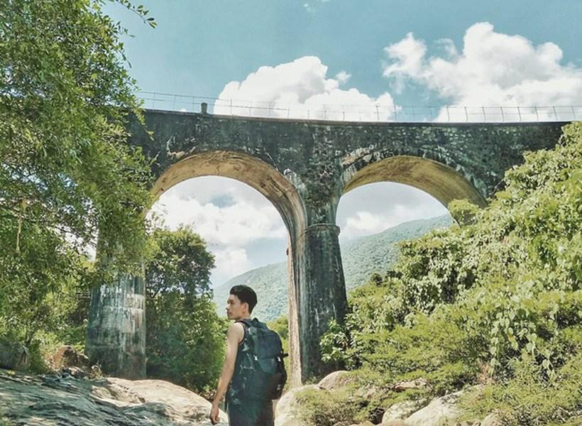 Cầu vòm Đồn Cả - Điểm check-in sống ảo mới toanh dưới chân đèo Hải Vân
