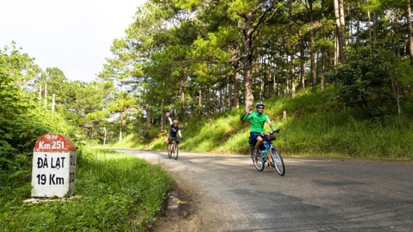 Đèo Omega: Kinh nghiệm phượt đèo bằng xe máy an toàn nhất nên biết