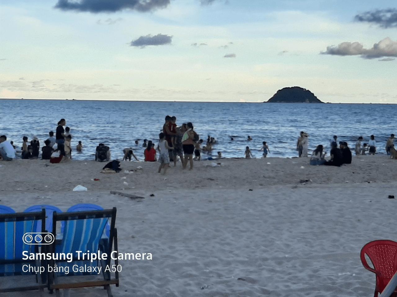 Thủy Ngân Quán ở Lagi Bình Thuận: Mãn nhãn với thực đơn hải sản siêu ngon