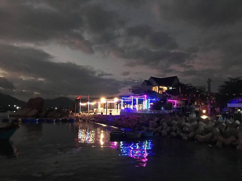 nhà nghỉ Bình Hưng