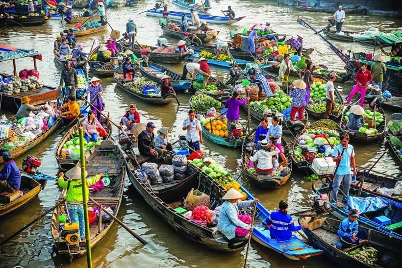 Kinh nghiệm du lịch chợ nổi Long Xuyên khám phá vùng sông nước
