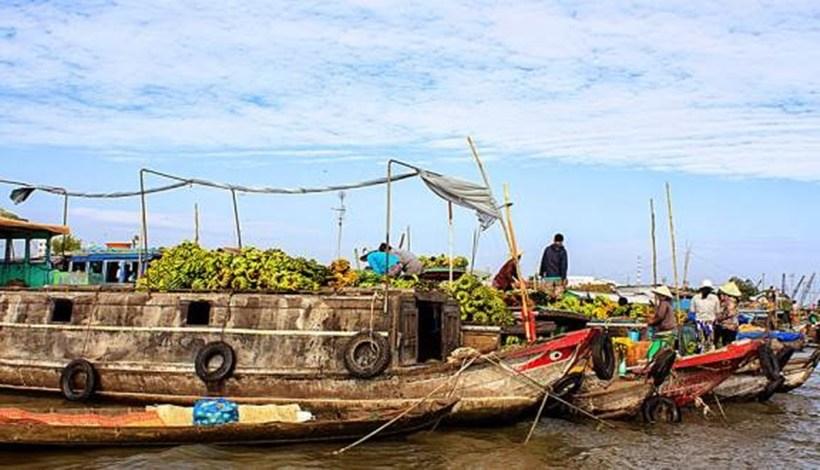 Kinh nghiệm du lịch chợ nổi Long Xuyên khám phá một vùng sông nước buôn bán tấp nập