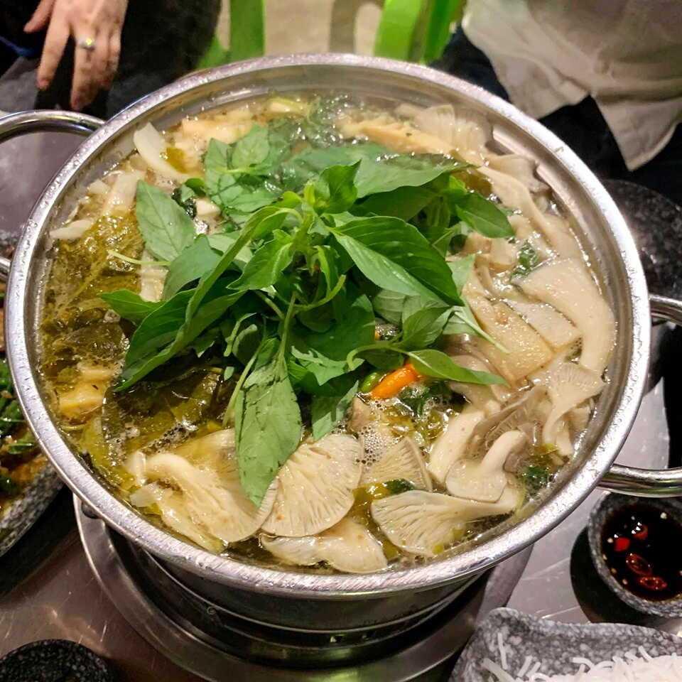 Top 15 Quán lẩu gà lá é Sài Gòn - TPHCM ngon giá rẻ nổi tiếng nhất