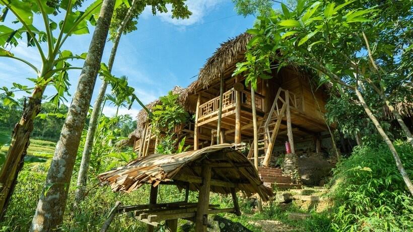 Pu Luong HillSide Lodge: Homestay view ruộng bậc thang xanh mướt
