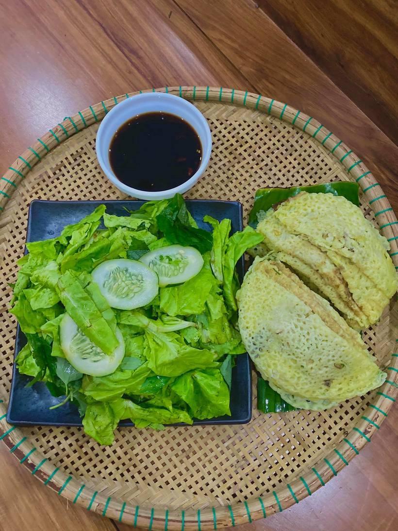 Top 10 quán bánh xèo chay ngon giá bình dân nổi tiếng ở Sài Gòn - TPHCM