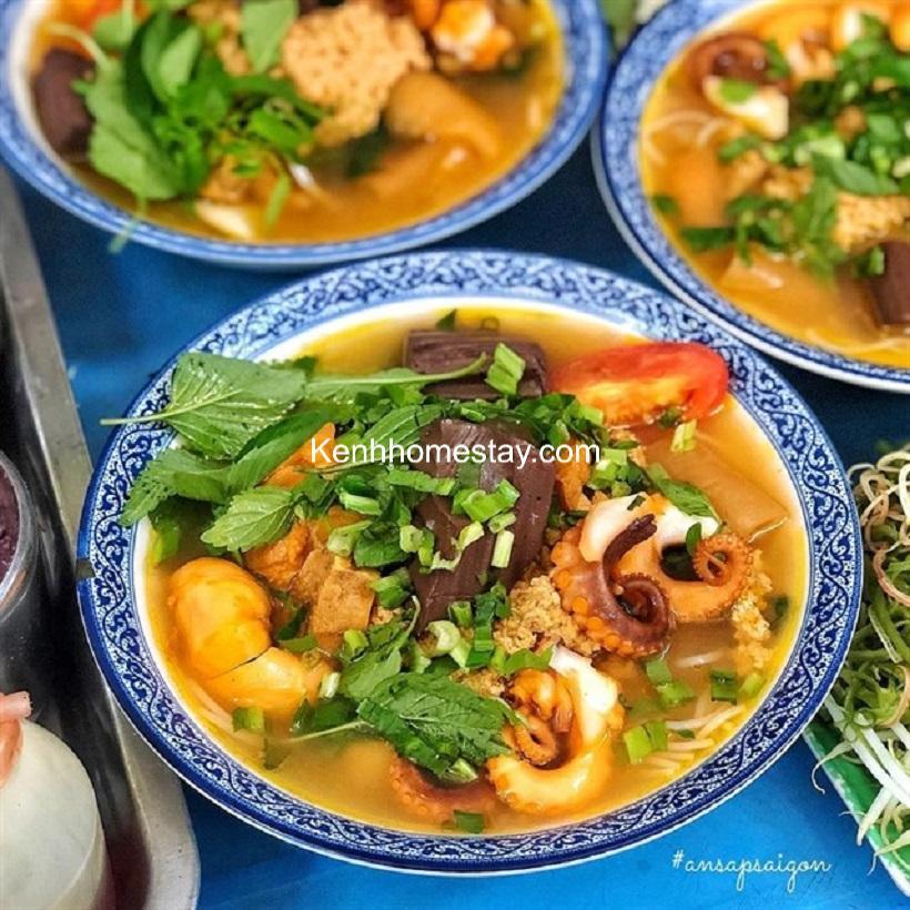 Top 15 Quán bún riêu ngon ở Sài Gòn TPHCM giá rẻ đông khách nhất