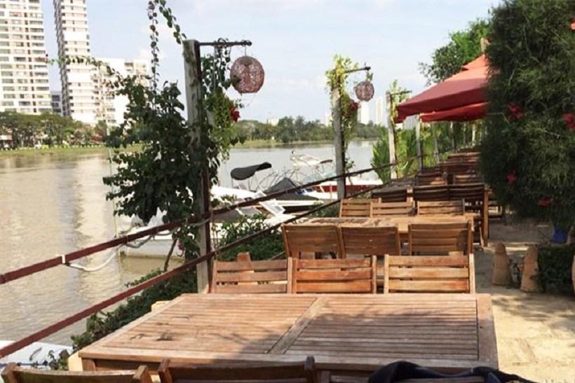 Nhà hàng Bên Sông quận 1