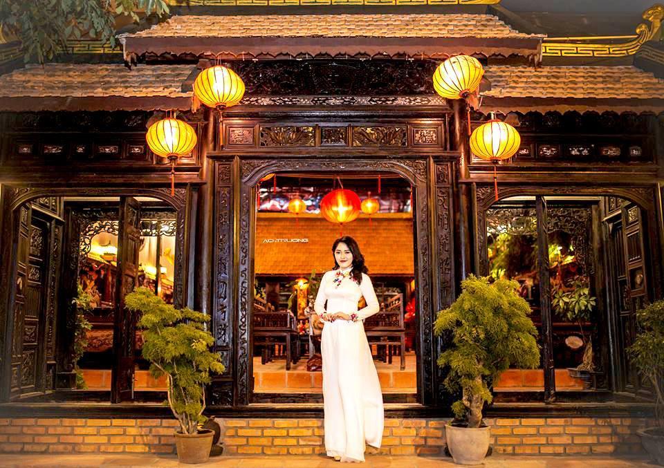 Nội Phủ Cafe