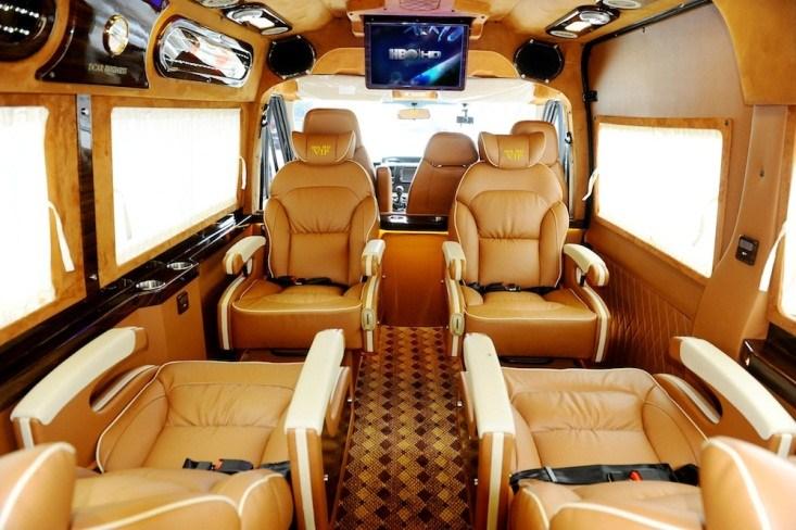 Xe limousine - Nên chọn loại nào du lịch thoải mái và giá cả hợp lý nhất