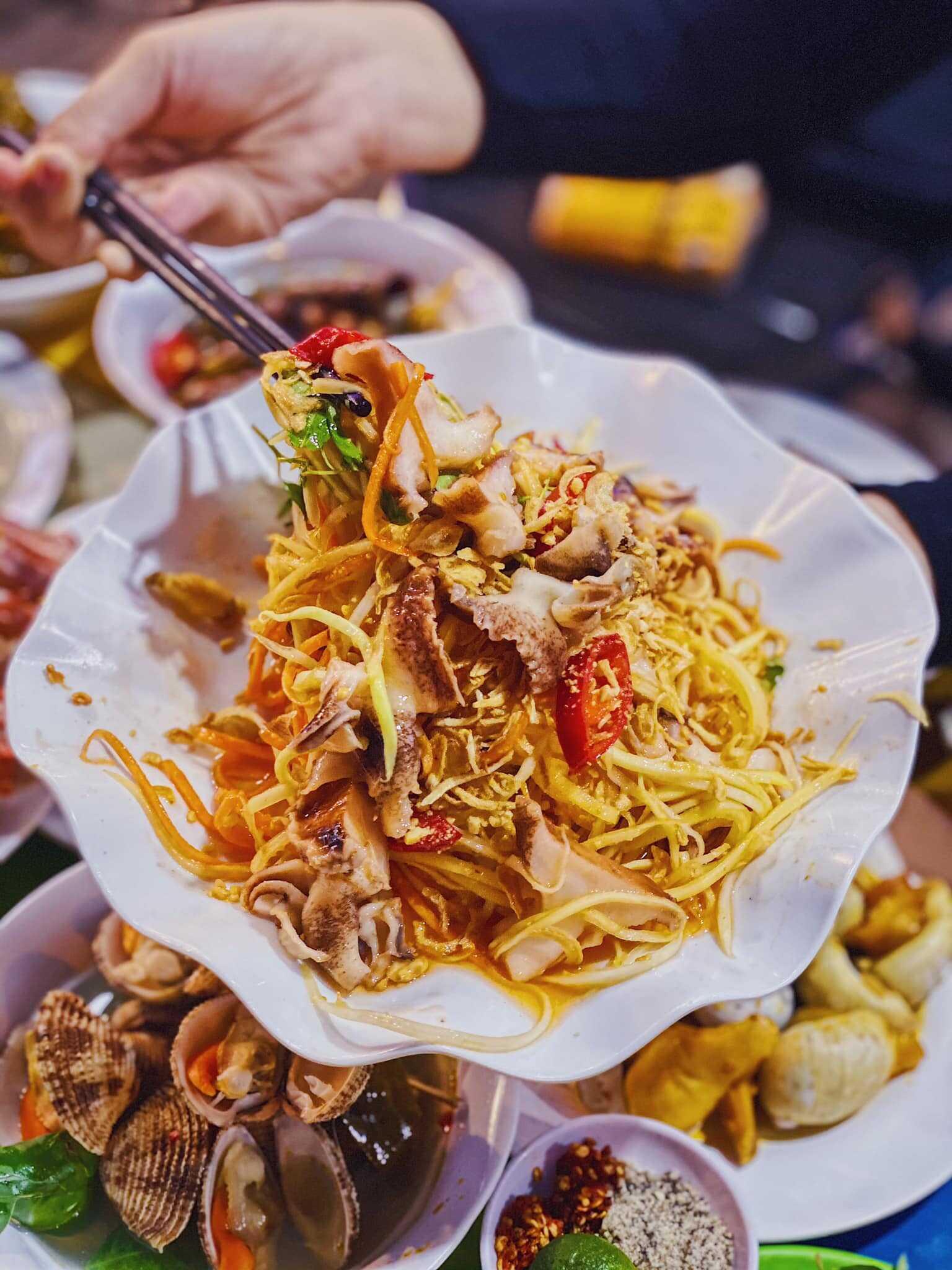 Top 10 Quán ốc Phạm Văn Đồng ngon giá rẻ đông khách ở Sài Gòn