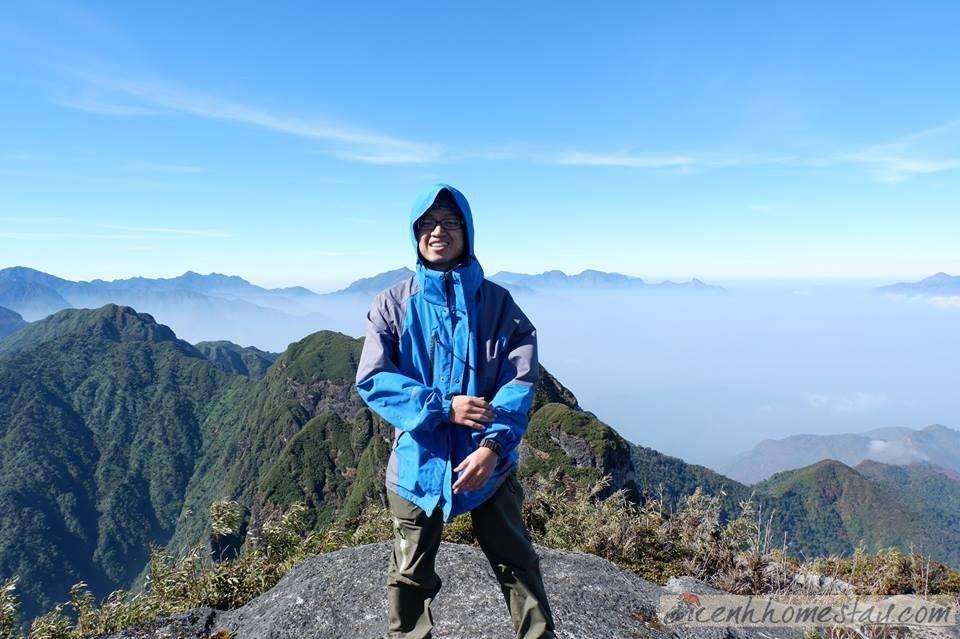 Mặc dù không phải là đỉnh núi in dấu nhiều bước chân của phượt thủ vì địa hình hiểm trở, cheo leo; nhưng người ta vẫn phải thừa nhận rằng vẻ đẹp và sức hút của núi Ngũ Chỉ Sơn quá lớn.