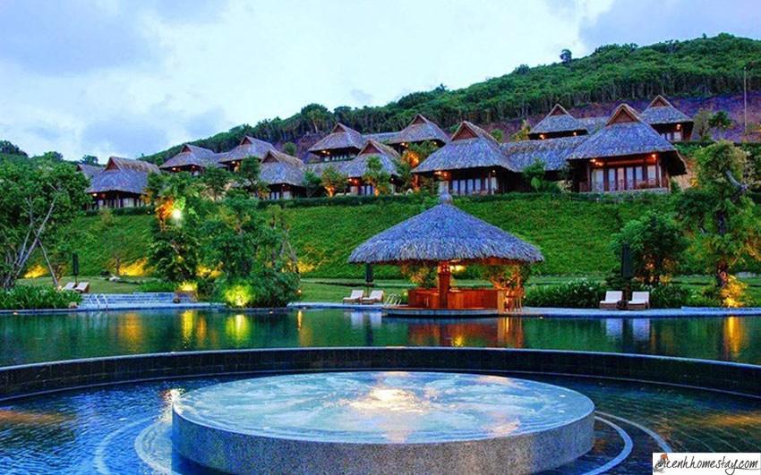 Top 30 Resort Nha Trang giá rẻ đẹp gần biển, có bãi tắm riêng, gần Vinpearl