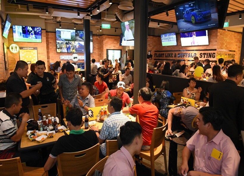 Top 25 Quán bar Sài Gòn, beer club TPHCM sôi động nổi tiếng nhất