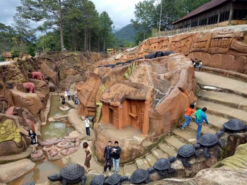 Review kinh nghiệm du lịch đường hầm đất sét Đà Lạt tự túc A-Z