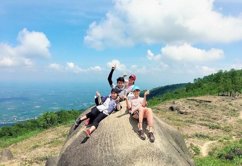 Núi Chứa Chan: Kinh nghiệm trekking, leo núi đi về trong ngày