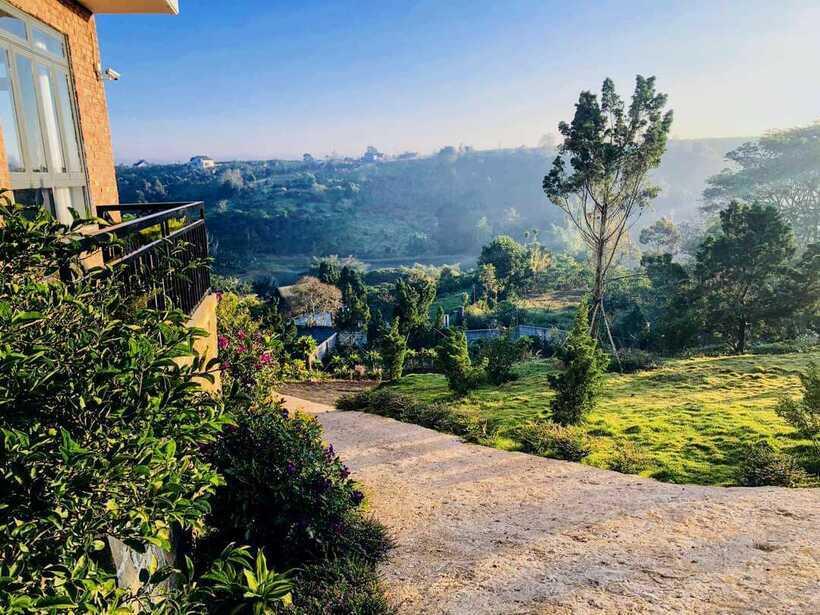 Sen Villa: Biệt thự 8 phòng ngủ view núi đồi đẹp ở phố hương trà Bảo Lộc