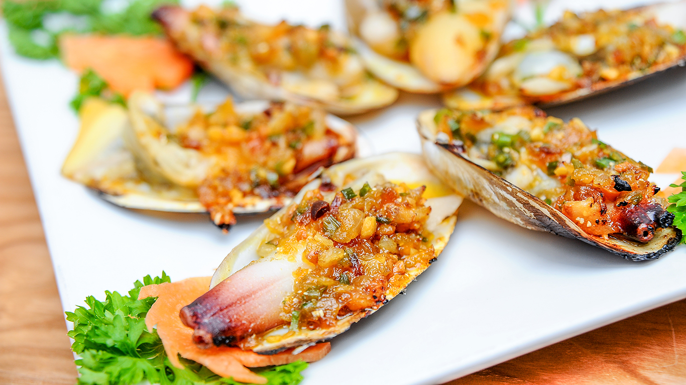 Top 10 Nhà hàng Phan Thiết Mũi Né ngon nổi tiếng đáng để thưởng thức