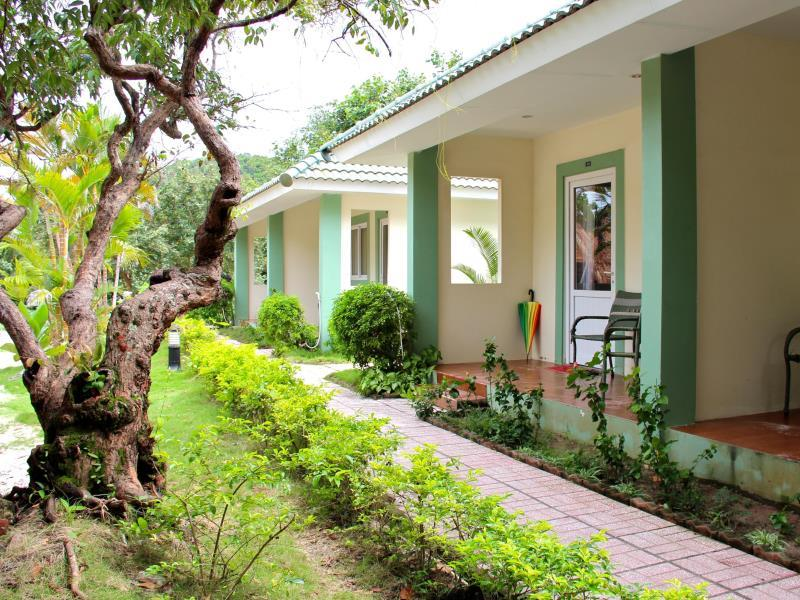 Top 10 khách sạn Phú Quốc gần biển giá rẻ có hồ bơi, bể bơi